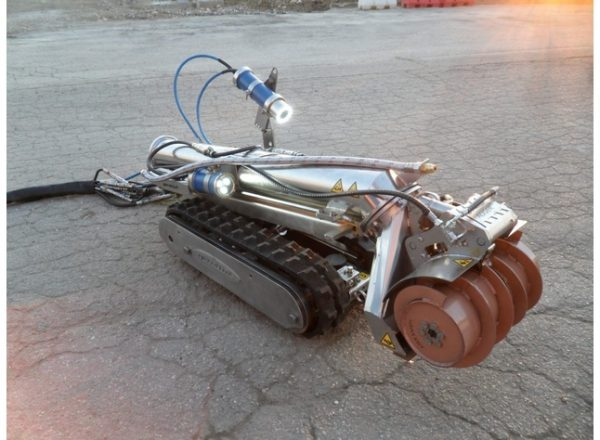 AGNES -  Robotic tank cleaner